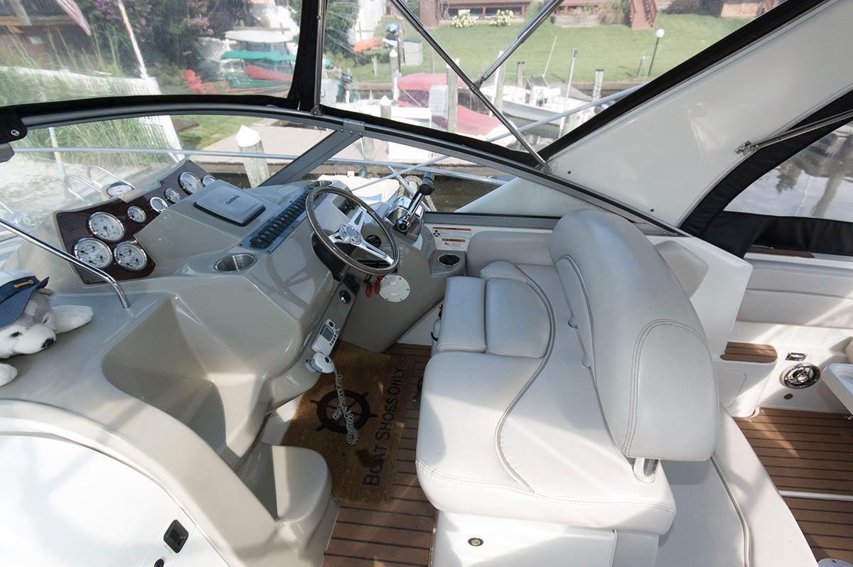 M 6145 KB Knot 10 Yacht Sales