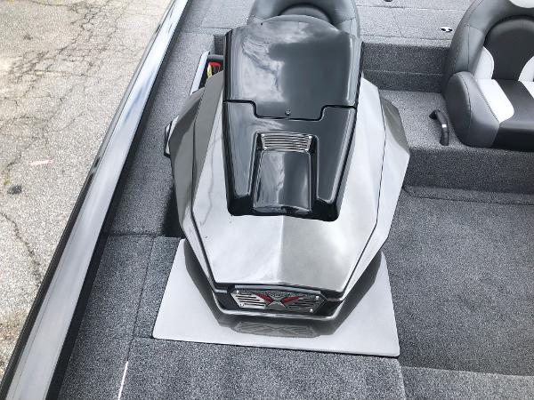 2021 Vexus boat for sale, model of the boat is AVX189C & Image # 21 of 28
