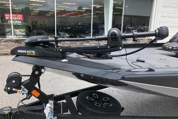 2021 Vexus boat for sale, model of the boat is AVX189C & Image # 10 of 28