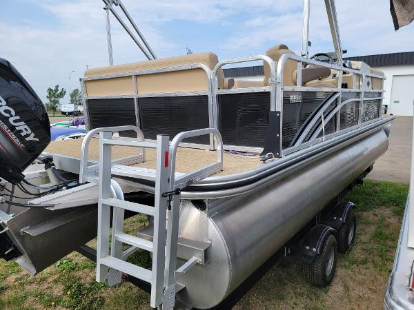 2018 Harris boat for sale, model of the boat is LX 200 & Image # 7 of 17