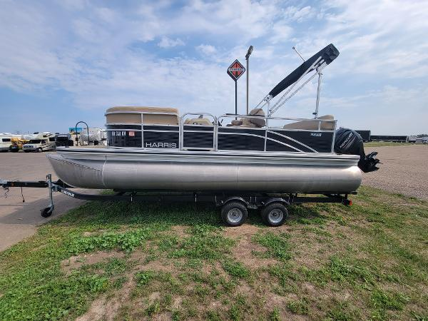 2018 Harris boat for sale, model of the boat is LX 200 & Image # 4 of 17