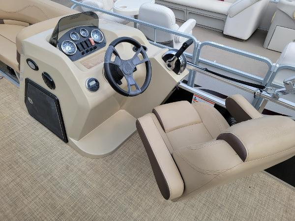 2018 Harris boat for sale, model of the boat is LX 200 & Image # 15 of 17