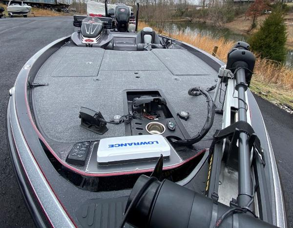 2016 Ranger Boats boat for sale, model of the boat is Z520C & Image # 7 of 19