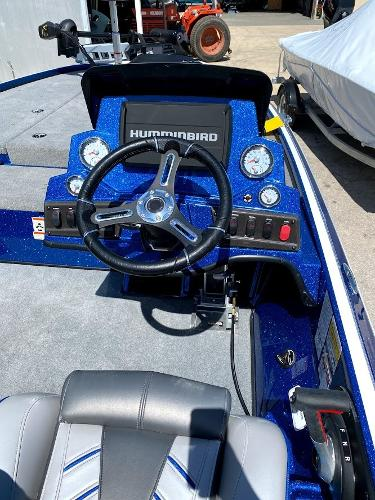 2020 Nitro boat for sale, model of the boat is Z18 & Image # 10 of 13