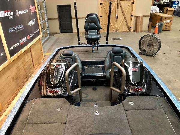 2017 Ranger Boats boat for sale, model of the boat is Z521C & Image # 2 of 10