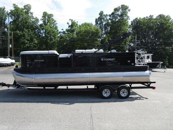 2021 Godfrey Pontoon boat for sale, model of the boat is SW 2286 SFL GTP 27 in. & Image # 7 of 29