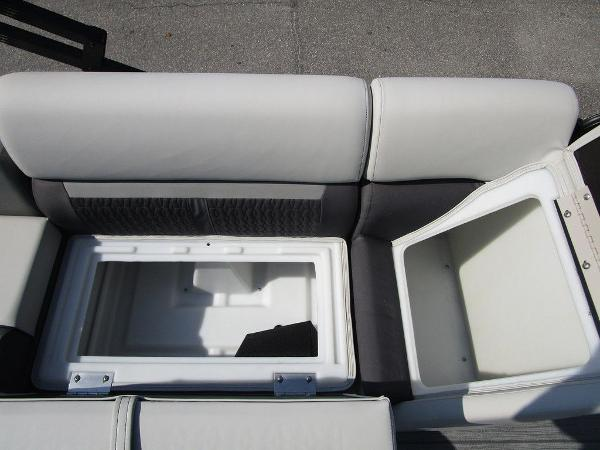 2021 Godfrey Pontoon boat for sale, model of the boat is SW 2286 SFL GTP 27 in. & Image # 13 of 29