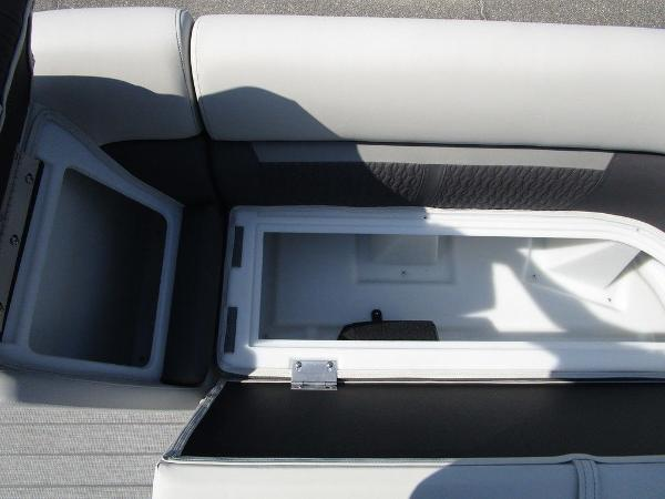 2021 Godfrey Pontoon boat for sale, model of the boat is SW 2286 SFL GTP 27 in. & Image # 14 of 29