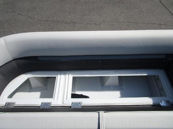 2021 Godfrey Pontoon boat for sale, model of the boat is SW 2286 SFL GTP 27 in. & Image # 15 of 29