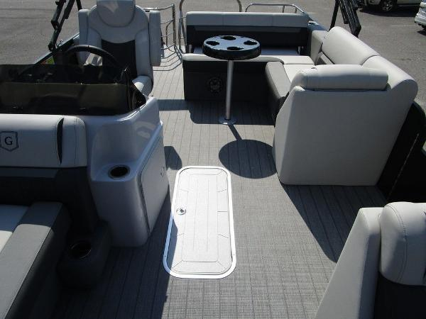 2021 Godfrey Pontoon boat for sale, model of the boat is SW 2286 SFL GTP 27 in. & Image # 16 of 29