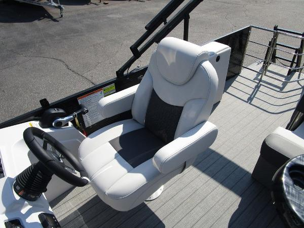 2021 Godfrey Pontoon boat for sale, model of the boat is SW 2286 SFL GTP 27 in. & Image # 17 of 29