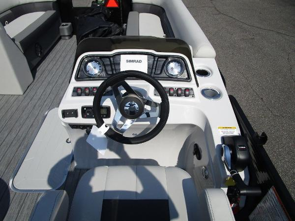 2021 Godfrey Pontoon boat for sale, model of the boat is SW 2286 SFL GTP 27 in. & Image # 18 of 29