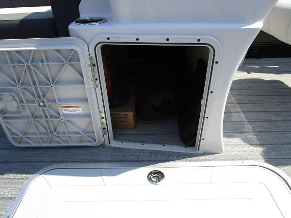 2021 Godfrey Pontoon boat for sale, model of the boat is SW 2286 SFL GTP 27 in. & Image # 23 of 29