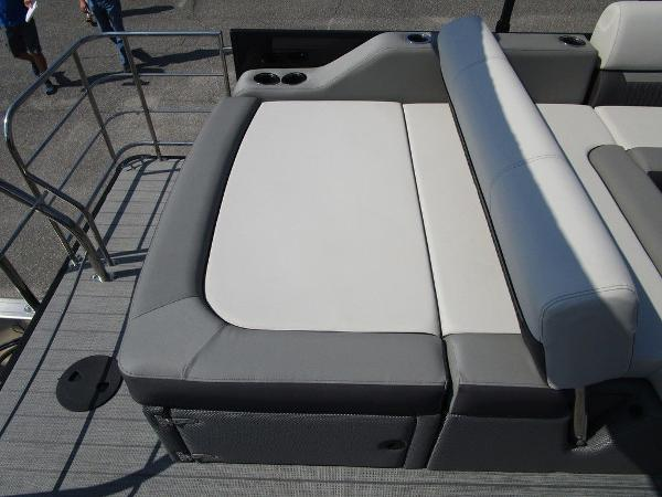 2021 Godfrey Pontoon boat for sale, model of the boat is SW 2286 SFL GTP 27 in. & Image # 27 of 29