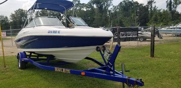 2008 Rinker boat for sale, model of the boat is Captiva 192 & Image # 6 of 6