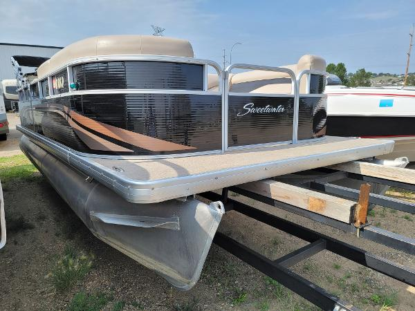 2014 Godfrey Pontoon boat for sale, model of the boat is Sweetwater 2286 & Image # 1 of 16