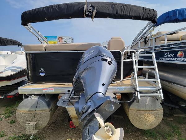 2014 Godfrey Pontoon boat for sale, model of the boat is Sweetwater 2286 & Image # 5 of 16