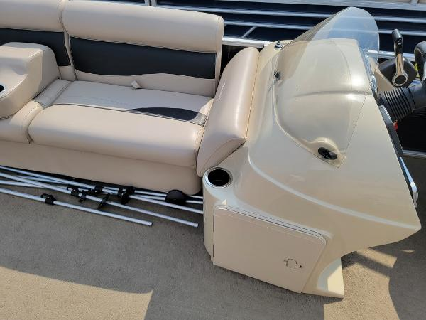 2014 Godfrey Pontoon boat for sale, model of the boat is Sweetwater 2286 & Image # 14 of 16