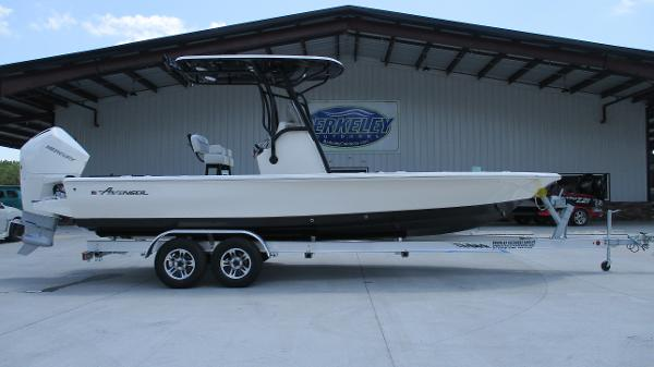 2021 Avenger boat for sale, model of the boat is AV24 & Image # 3 of 63