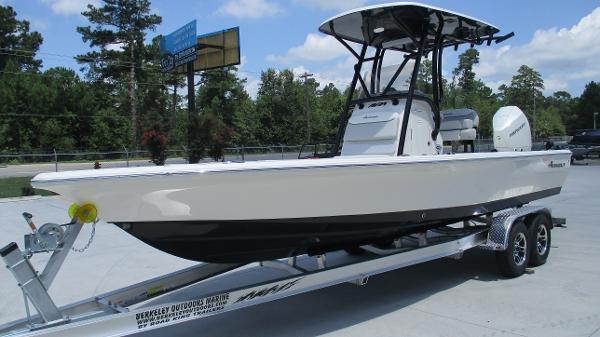 2021 Avenger boat for sale, model of the boat is AV24 & Image # 2 of 63