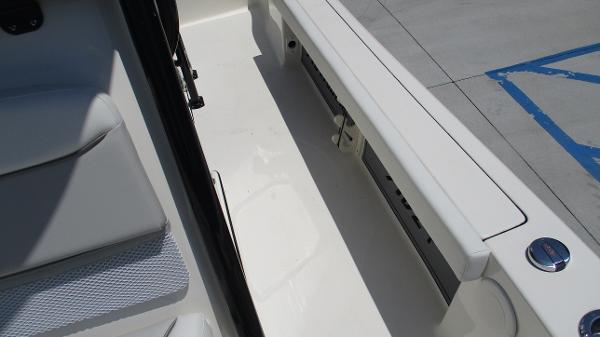 2021 Avenger boat for sale, model of the boat is AV24 & Image # 14 of 63