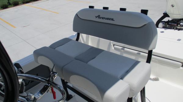 2021 Avenger boat for sale, model of the boat is AV24 & Image # 16 of 63