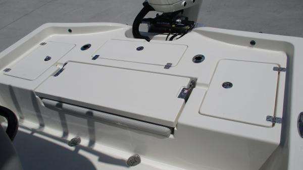 2021 Avenger boat for sale, model of the boat is AV24 & Image # 17 of 63
