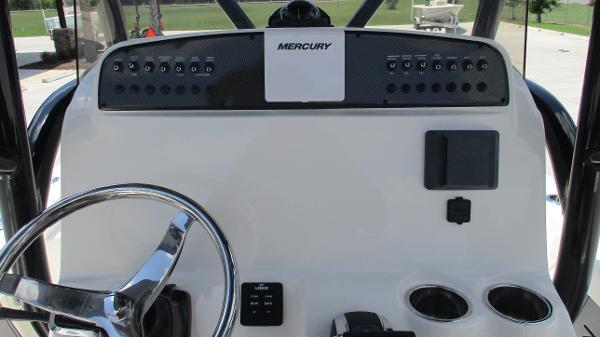 2021 Avenger boat for sale, model of the boat is AV24 & Image # 32 of 63