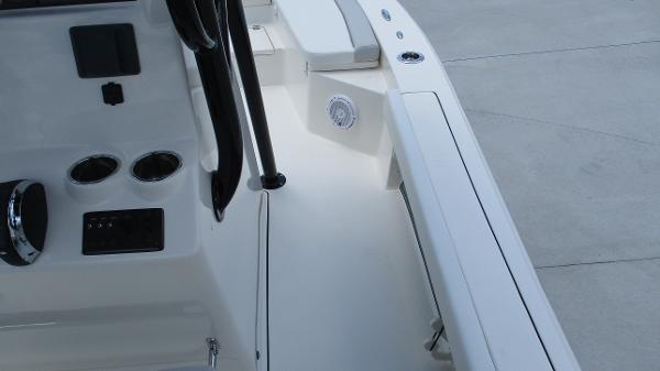 2021 Avenger boat for sale, model of the boat is AV24 & Image # 43 of 63