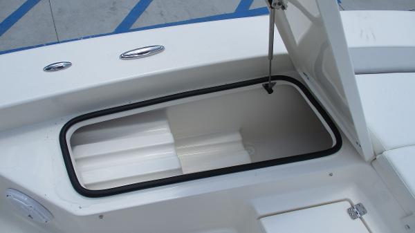 2021 Avenger boat for sale, model of the boat is AV24 & Image # 52 of 63