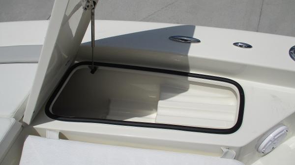 2021 Avenger boat for sale, model of the boat is AV24 & Image # 55 of 63