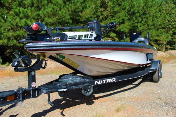2019 Nitro boat for sale, model of the boat is Z19 Pro & Image # 10 of 18