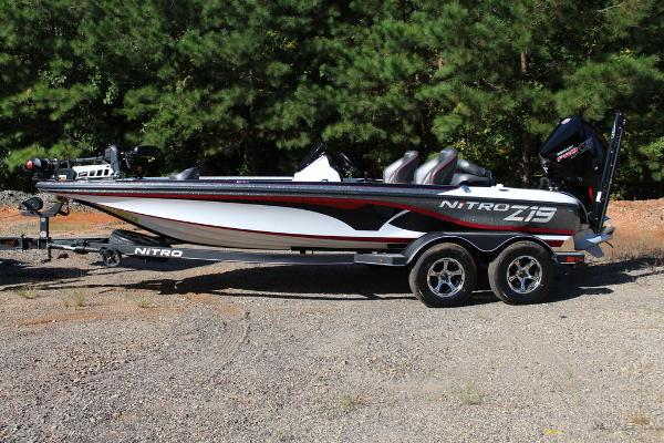 2019 Nitro boat for sale, model of the boat is Z19 Pro & Image # 11 of 18
