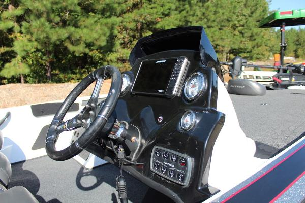 2019 Nitro boat for sale, model of the boat is Z19 Pro & Image # 14 of 18