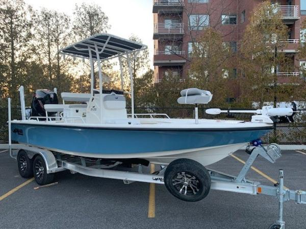 2020 Mako boat for sale, model of the boat is 21LTS GUIDE PACK & Image # 2 of 16