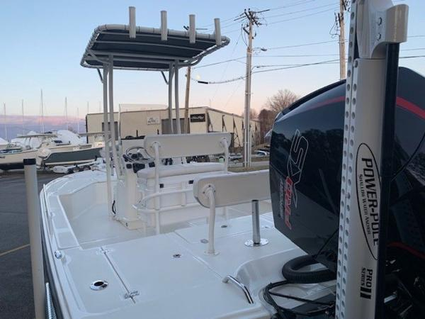 2020 Mako boat for sale, model of the boat is 21LTS GUIDE PACK & Image # 3 of 16