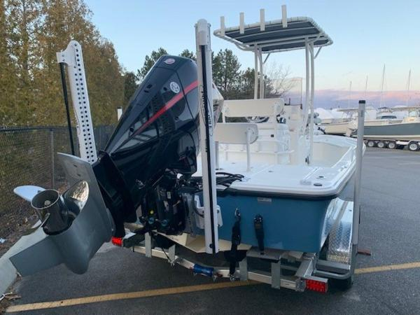 2020 Mako boat for sale, model of the boat is 21LTS GUIDE PACK & Image # 4 of 16