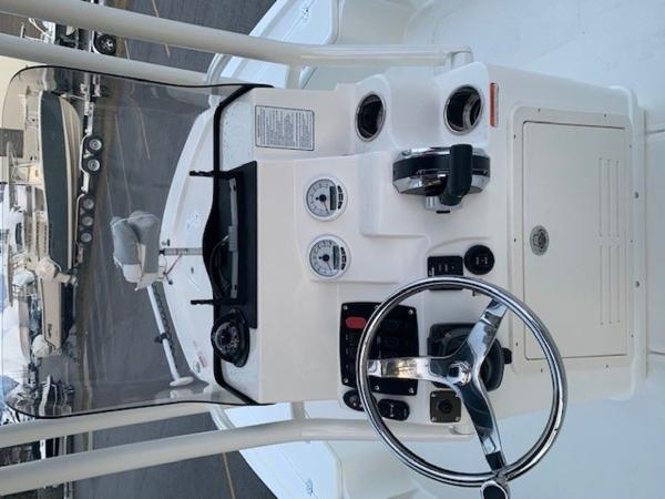 2020 Mako boat for sale, model of the boat is 21LTS GUIDE PACK & Image # 12 of 16