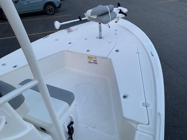 2020 Mako boat for sale, model of the boat is 21LTS GUIDE PACK & Image # 14 of 16