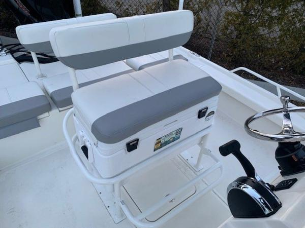 2020 Mako boat for sale, model of the boat is 21LTS GUIDE PACK & Image # 16 of 16
