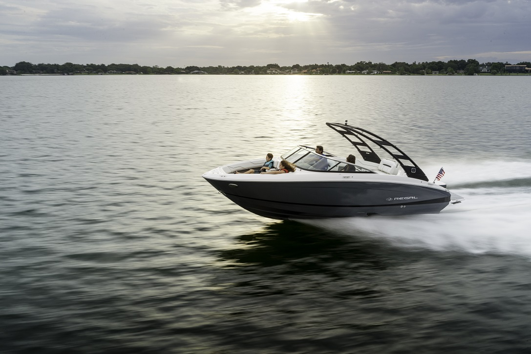 2021 REGAL Bowrider LS4