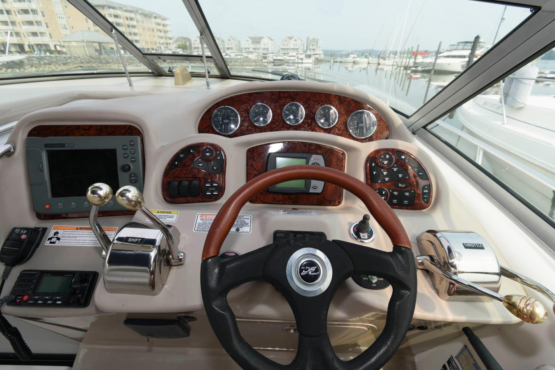M 6493 KB Knot 10 Yacht Sales