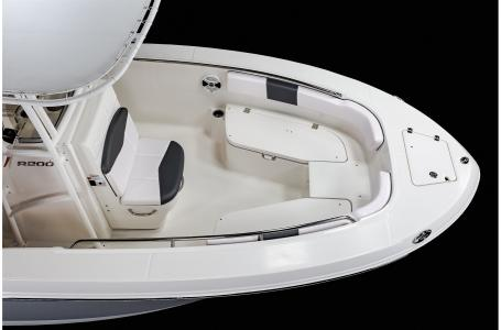 2021 Robalo boat for sale, model of the boat is R200 & Image # 17 of 18