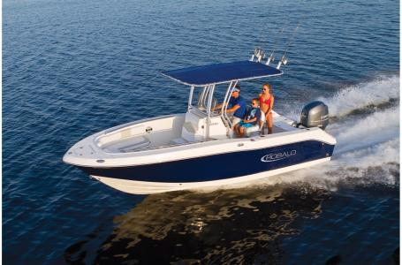 2021 Robalo boat for sale, model of the boat is R200 & Image # 14 of 18