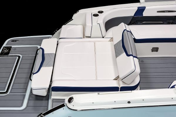 2021 Chaparral boat for sale, model of the boat is 287 SSX & Image # 14 of 20