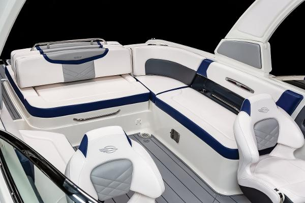 2021 Chaparral boat for sale, model of the boat is 287 SSX & Image # 13 of 20