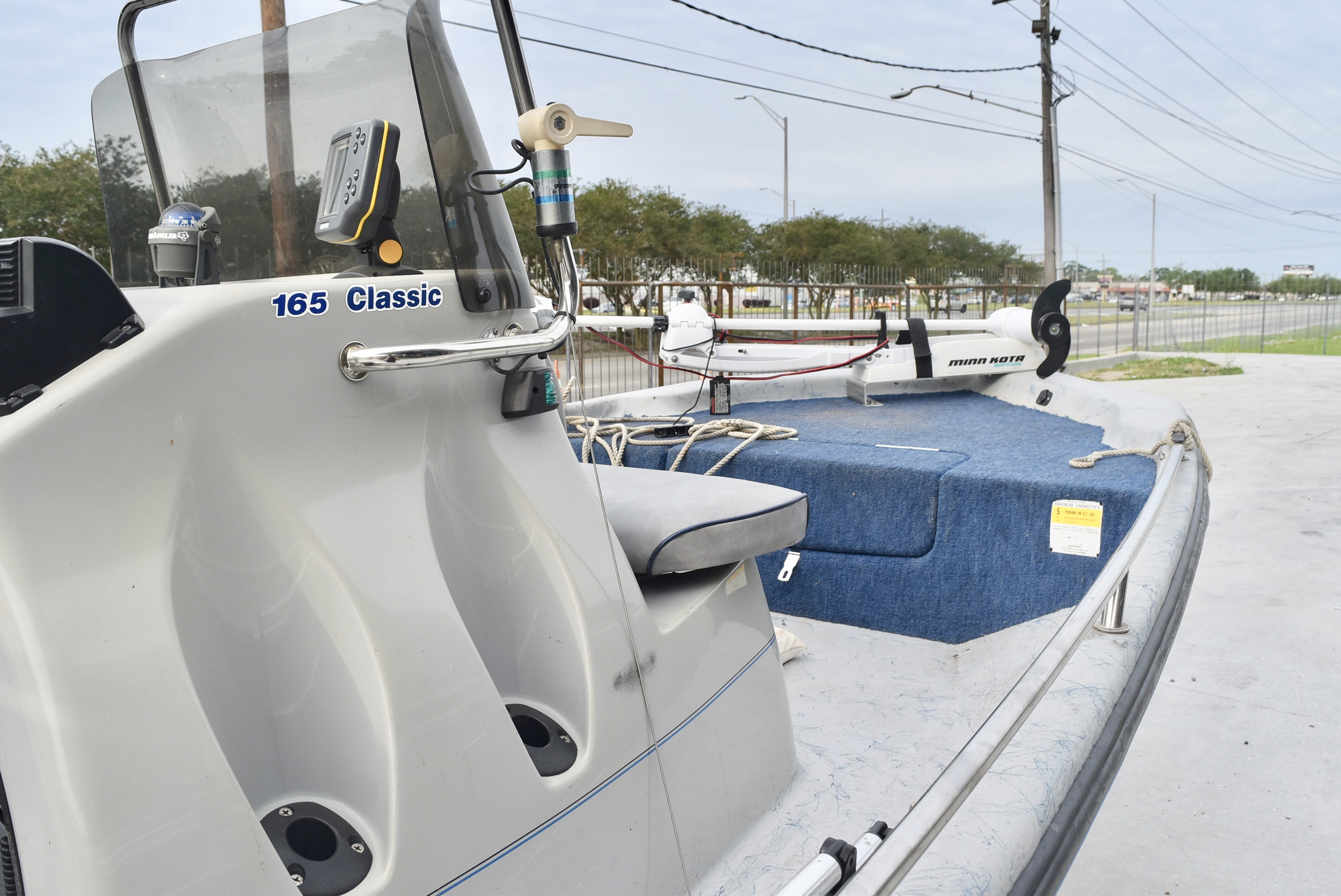 1998 Blue Wave boat for sale, model of the boat is 165 Classic & Image # 3 of 7