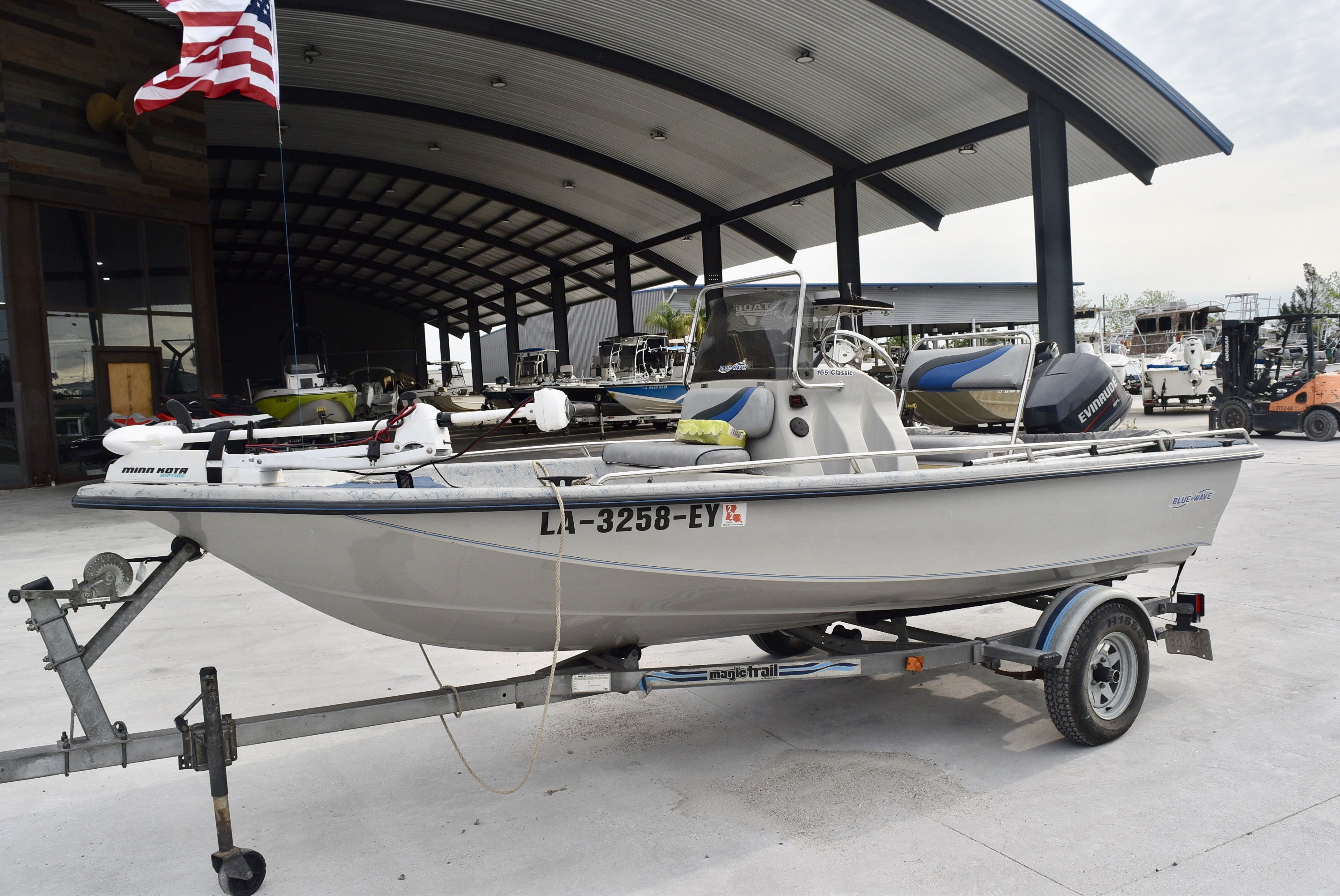 1998 Blue Wave boat for sale, model of the boat is 165 Classic & Image # 4 of 7