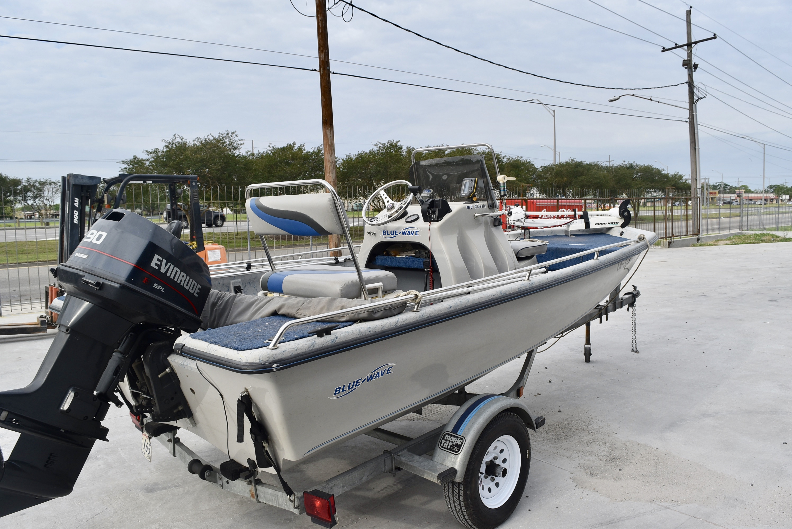 1998 Blue Wave boat for sale, model of the boat is 165 Classic & Image # 5 of 7