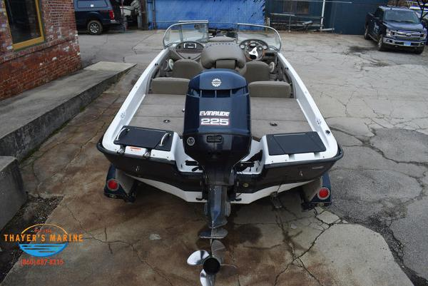 2005 Ranger Boats boat for sale, model of the boat is 210VS RETA & Image # 6 of 52
